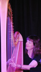 Carol Robbins playing at Vitellos photo by Bonnie Perkinson