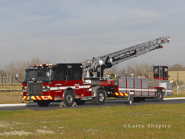 tractor-drawn aerial fire truck