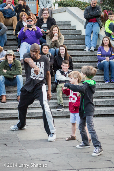 dancer with children in the French Quarter