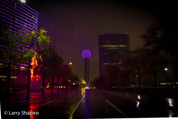 Omni Hotel & Reunion Tower in Dallas at night