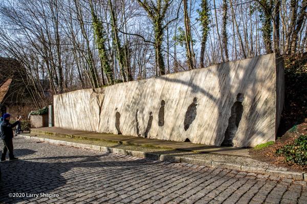 memorial at Gleis 17