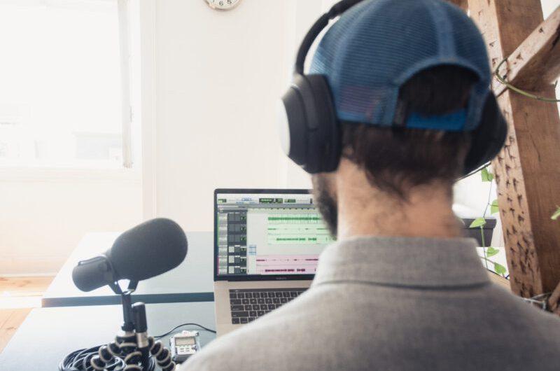 Hier das Interview von Max MISHKIN & YEVGEN LESNOY aus der Sendung GayRadio on the Road lesen!