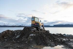 Hill, Construction Site, Excavator, Digger, Fjord, Tromsö, Street Photography, Photo Book, Lars Hübner, Fotograf, Norway, Reportage, Visual Storytelling