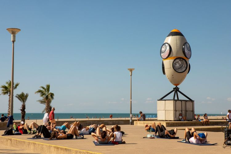 Narbonne : P. Chappert-Gaujal installe ses oeuvres sur la plage jusqu'au 30 septembre