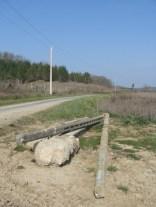 Installation de nouveaux poteaux EDF qui ne survivront pas à un éventuel futur barrage _ Sivens