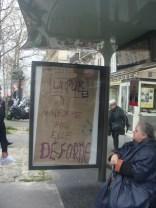9-manifestation_nuit-debout_republique_affiche_vandalisation