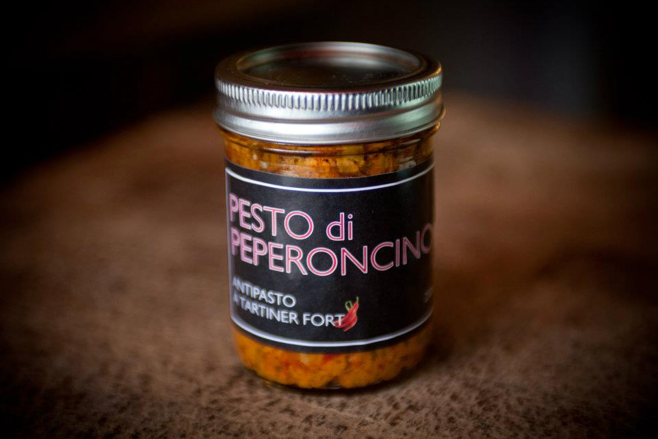Pesto Di Peperoncino, spicy spreading