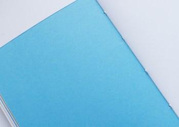 Pages turquoises du carnet fait main A5 Roche