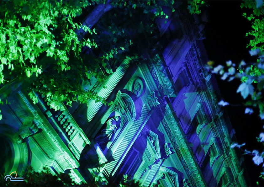 la préfecture de Marseille la nuit