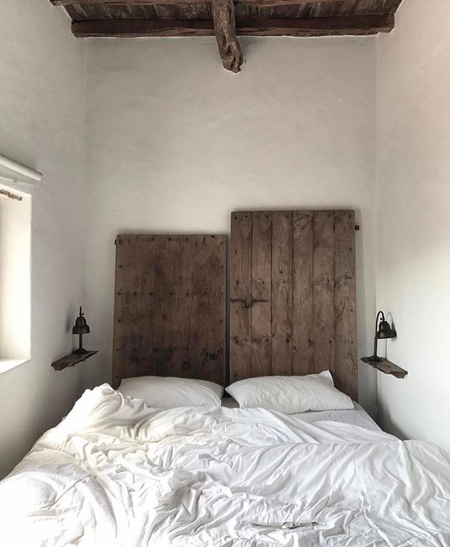 Our cozy master bedroom captured by @wijzijnkees ✨#lascicadasibiza #rusricinteriors #countryhome #style #homedecor #authentic #farmhouse #bedroom #campolove #finca #ibizenca #holidayhome #ibiza2017