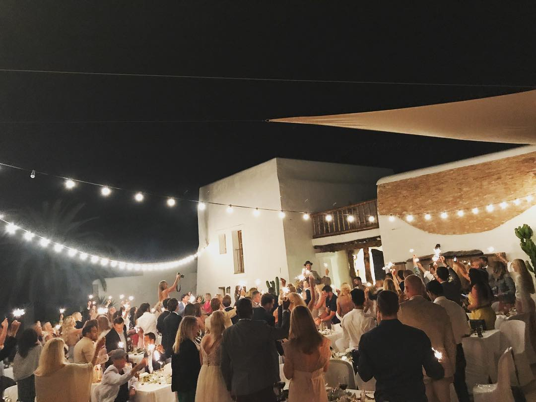 :: Still buzzing from last weeks wedding :: #summerisnotover #september #wedding #season #ibiza2017 #lascicadasibiza #cicadascelebrations #privateevent #eventvenue #rustic #finca ✨