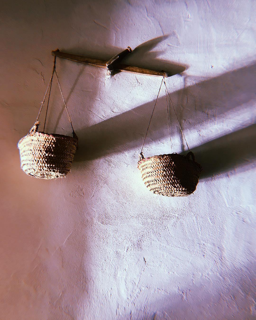// ⚖️ // #lascicadasibiza #finca #ibizenca #rustica #payes #interiors #minimal #elegance #boutiquevilla #realibizastyle #farmhouse #baskets #rustic #charm