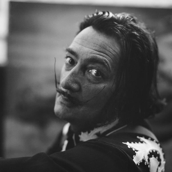 Francesc-Català-Roca-Salvador-Dalí-a-Portlligat-1952