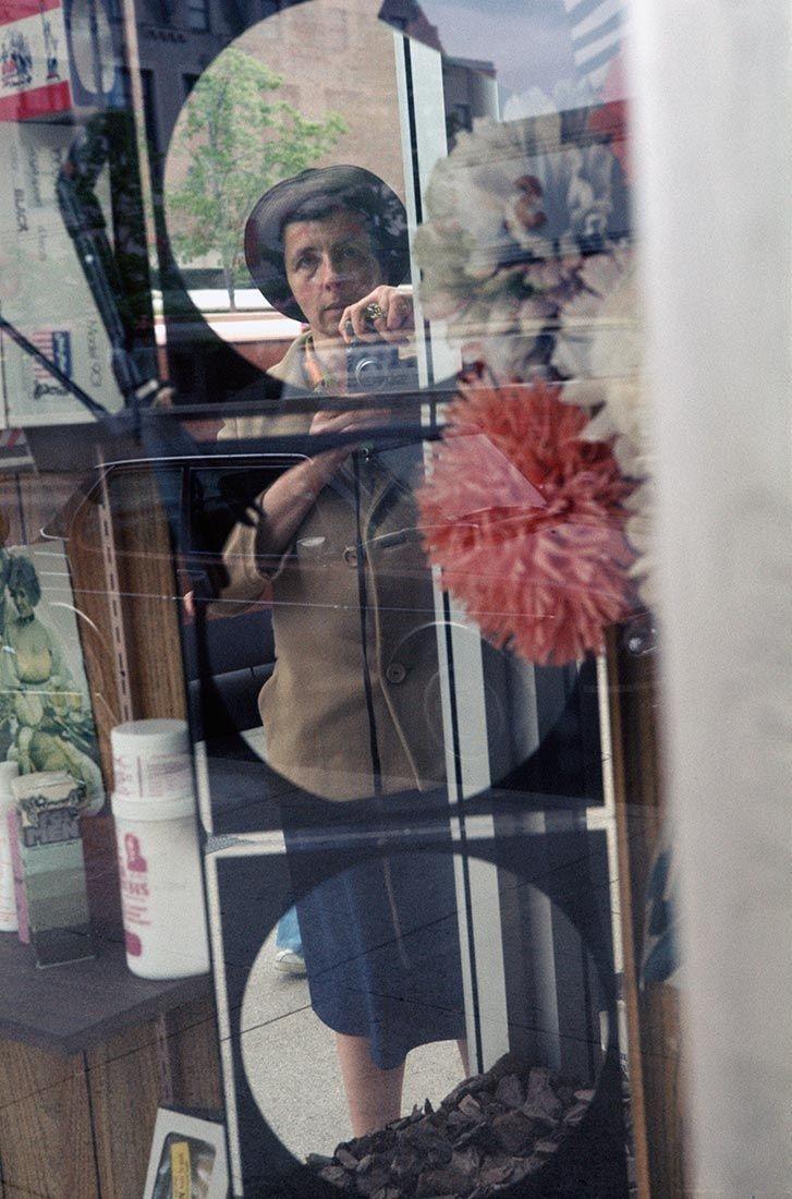 58_Vivian MAIER Self-portrait, Chicago, 1978