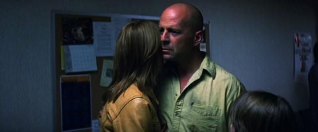 El Protegido David Dunn (Bruce Willis) en el Hospital con la familia
