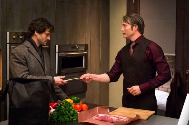 Hugh Dancy como Will Graham y Mads Mikkelsen como el Dr. Lecter, en la serie Hannibal.