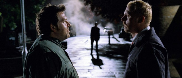 Nick Frost y Simon Pegg ante el primer zombi de 'Shaun of the Dead'