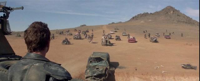 Mad Max 2, Asedio de los Merodeadores