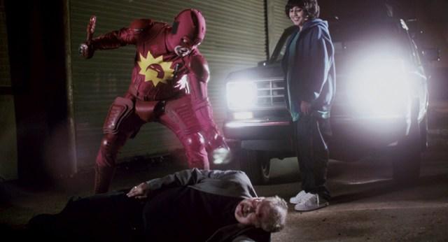 Rainn Wilson atacando a delincuentes en Super, de James Gunn