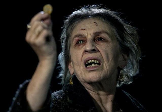Arrástrame al Infierno (Sam Raimi, 2009). La señora Gamush y la maldición gitana