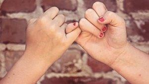 manos asperas