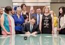 Alcalde Bynum prohíbe discriminación de género y de identidad