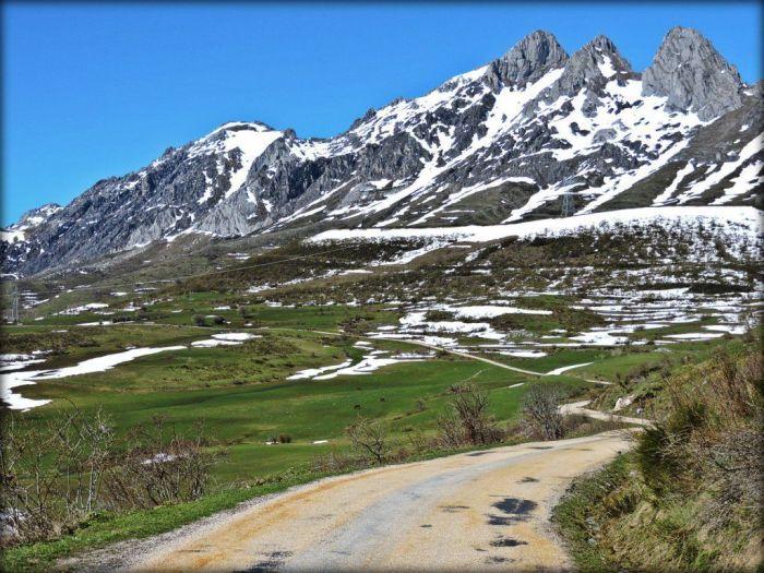 Entrando al valle de Casares desde La Tercia