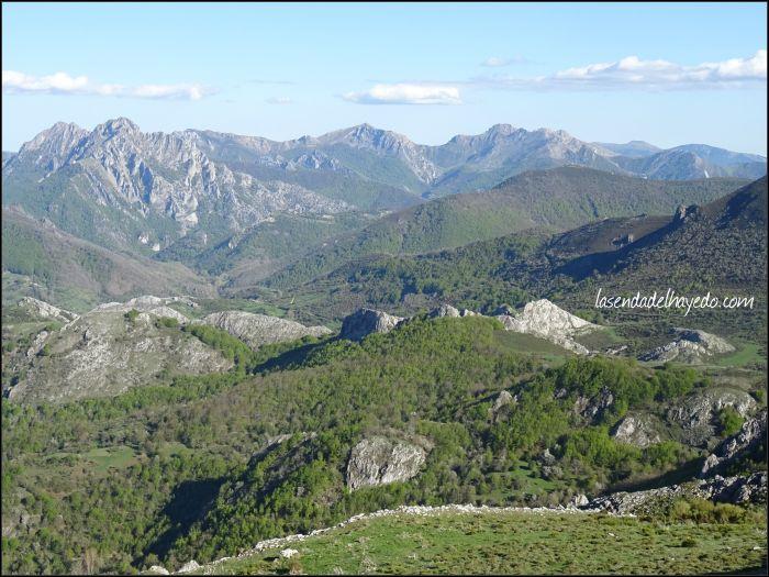 Valles de Valbuena del Roblo, Las Salas, Argovejo...