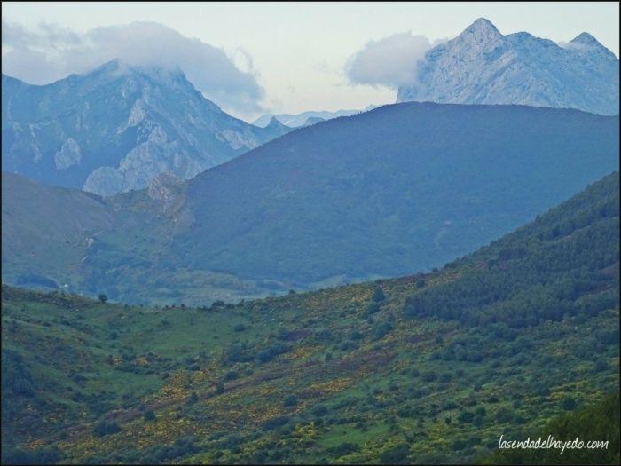 Peña Pintas, cercana montaña ya en la cuenca del río Esla