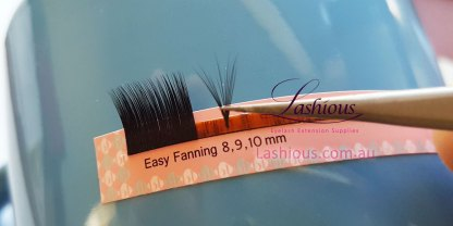 Easy Fanning Volume Lash
