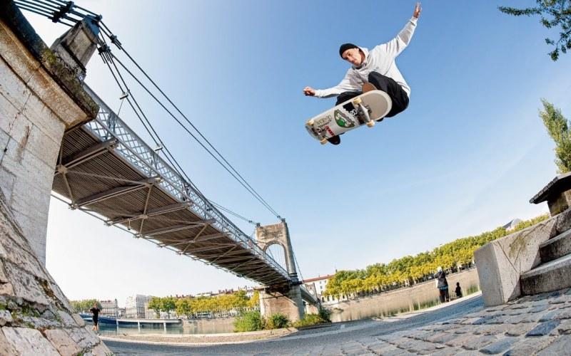 En Passant : La part Free Skate Mag de Flo Mirtain