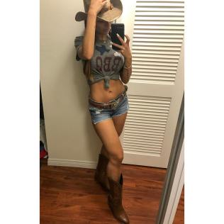 Halloween Mia Khalifa