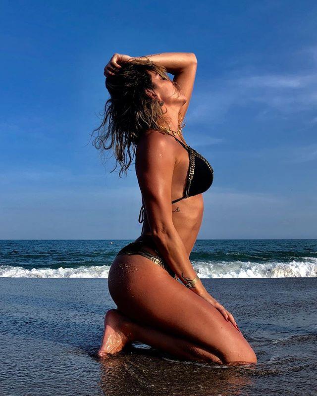 Valentina Lizcano en playas de Panama
