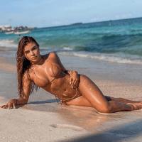 Fotos de Laura Sánchez hermosa modelo paisa fitness