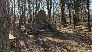 Denkmal und Gedenkstein in Hermsdorf für die Opfer des 1. und 2, Weltkrieges