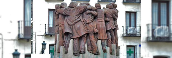 El abrazo escultura