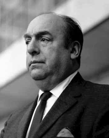 El gran poeta Pablo Neruda sigue con sus calles a pesar de insinuar una violación en su libro de memorias Confieso que he vivido.