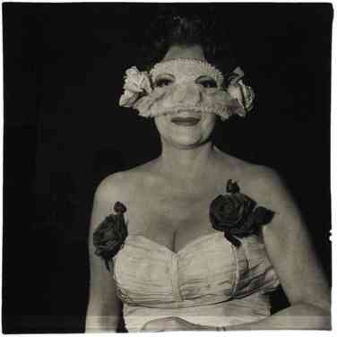 be69923dbba87194fb53d32c85140733--diane-arbus-art-photography