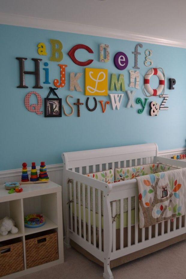 Las letras de la pared me sirvieron de inspiración para el cuarto de Ignasi