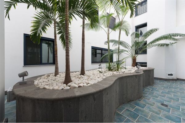 Luxury beachfront8