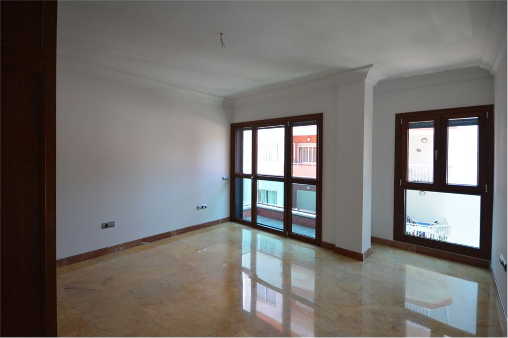 Spectacular frontline apartment on Las Canteras beach