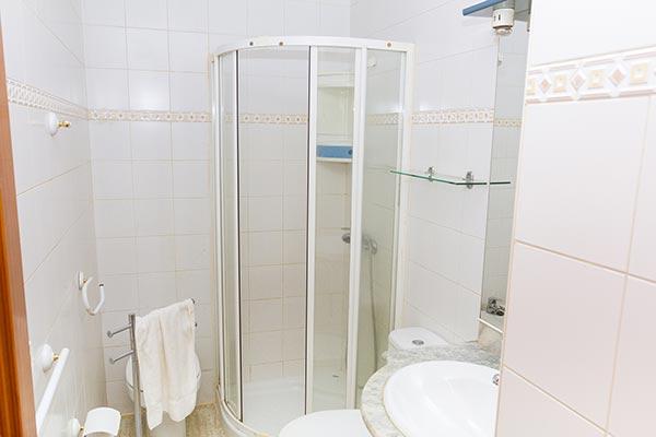 Bernardo-piso-bathrrom