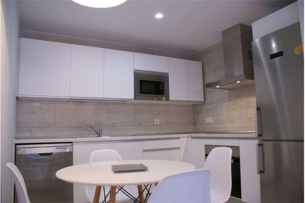 Refurbished two-bedroom Ruiz de Alda apartment for sale in Las Palmas de Gran Canaria