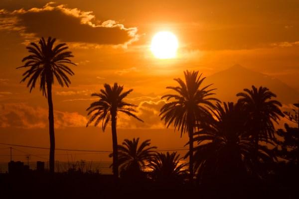 Agaete property: Sunset over Agaete