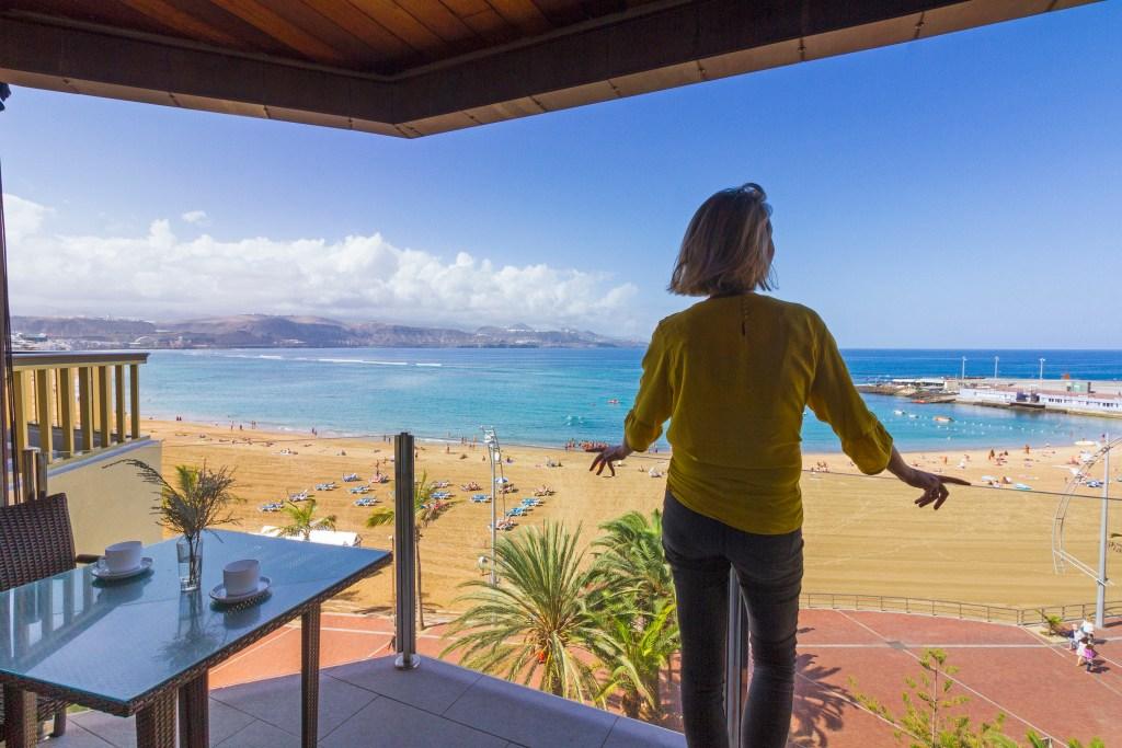 For Sale: Frontline Las Canteras apartment with beach views in Las Palmas de Gran Canaria