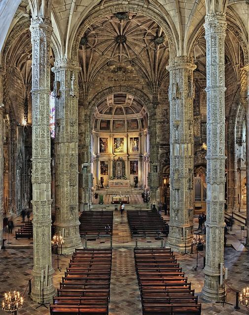Interior del Monasterio de los Jeronimos, estilo manuelino