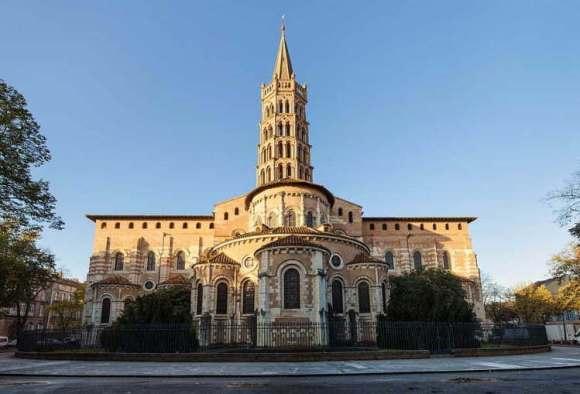 Ejemplos de arquitectura Romanica francesa