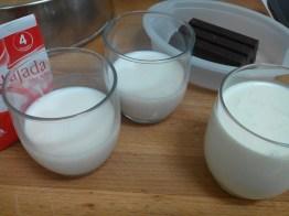 nata, leche y leche para cuajada