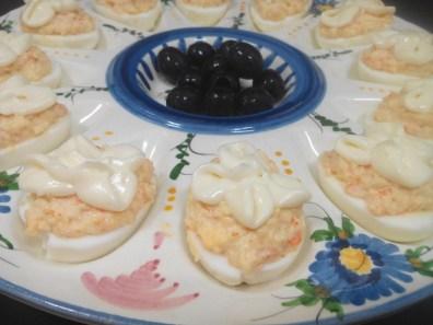 Huevos rellenos con chaca (4)