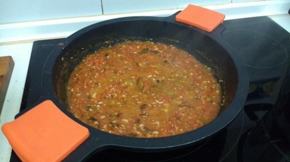 Espaguetis con langostinos y salsa de tomate casera (9)